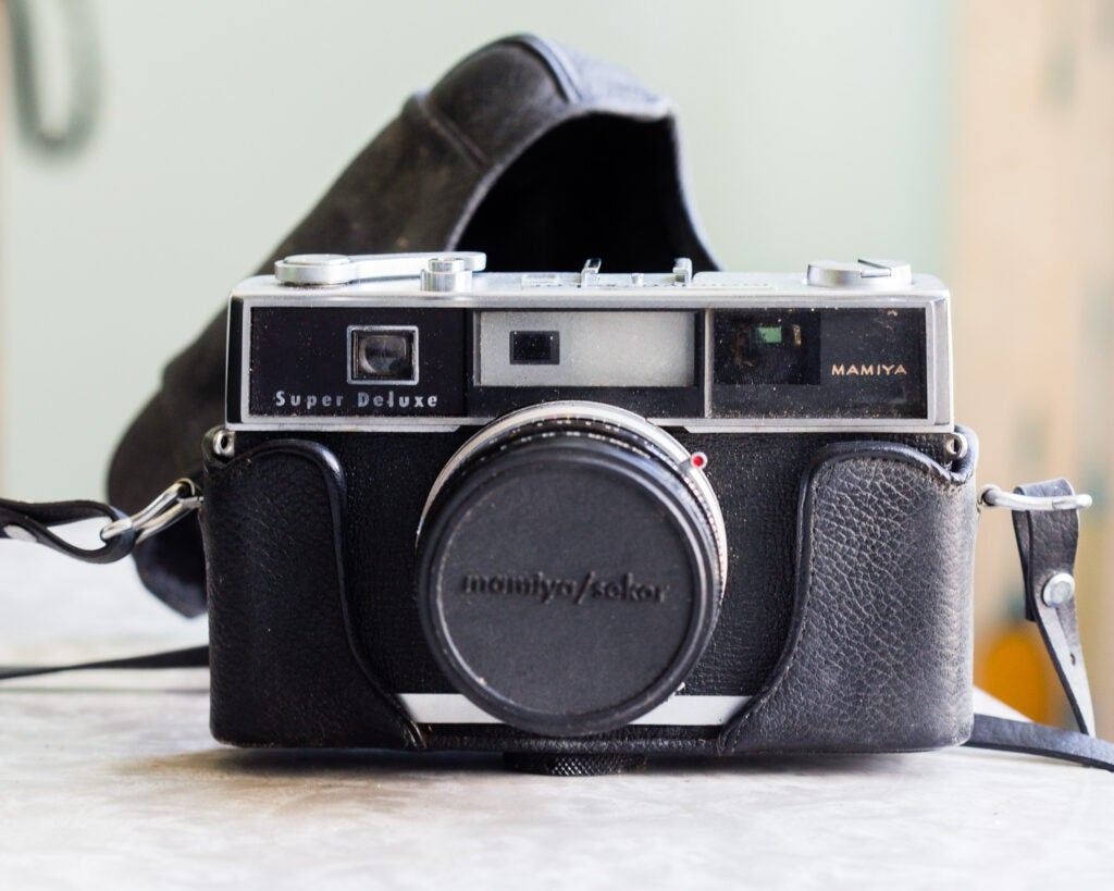 Tips for buying camera gear at garage sales