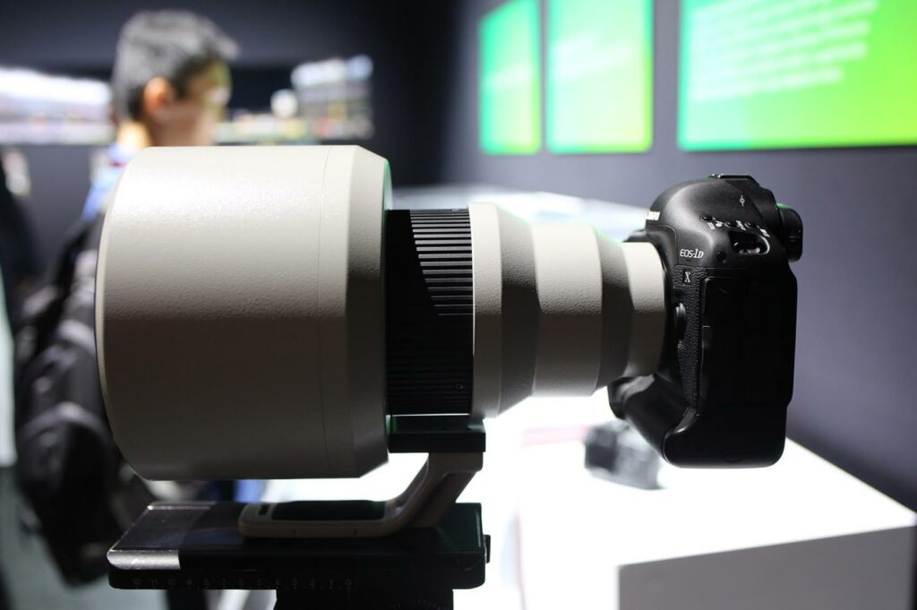 Canon 600mm F/4 DO BR Prototype lens