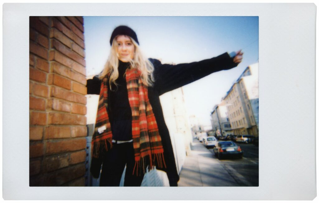 A sample image shot on the Lomo'Instant camera