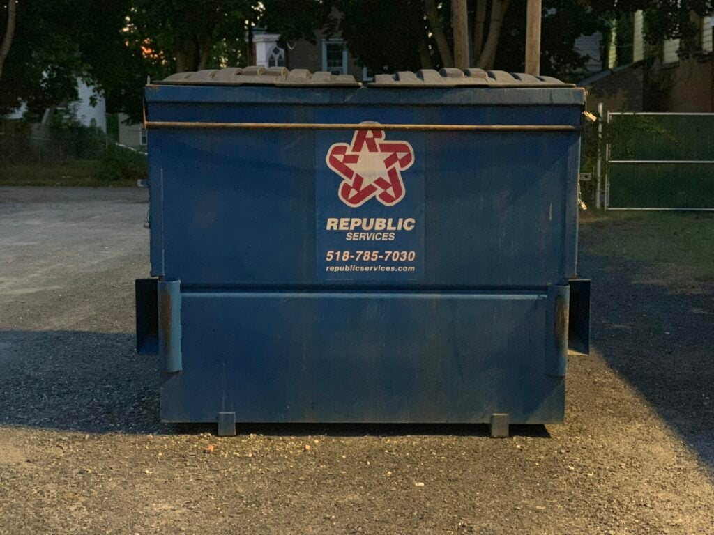 A picture of a dumpster with no flash