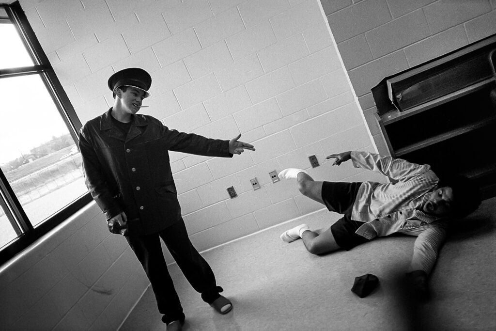 httpswww.popphoto.comsitespopphoto.comfilesimages201508theater_for_the_camera-_photo_by_incarcerated_students_photography_works.jpg