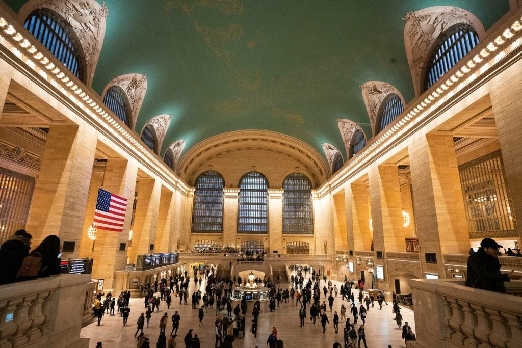 Grand Central Station during rush hour in Manhattan, shot with the Sony FE 20mm F1.8 G lens.